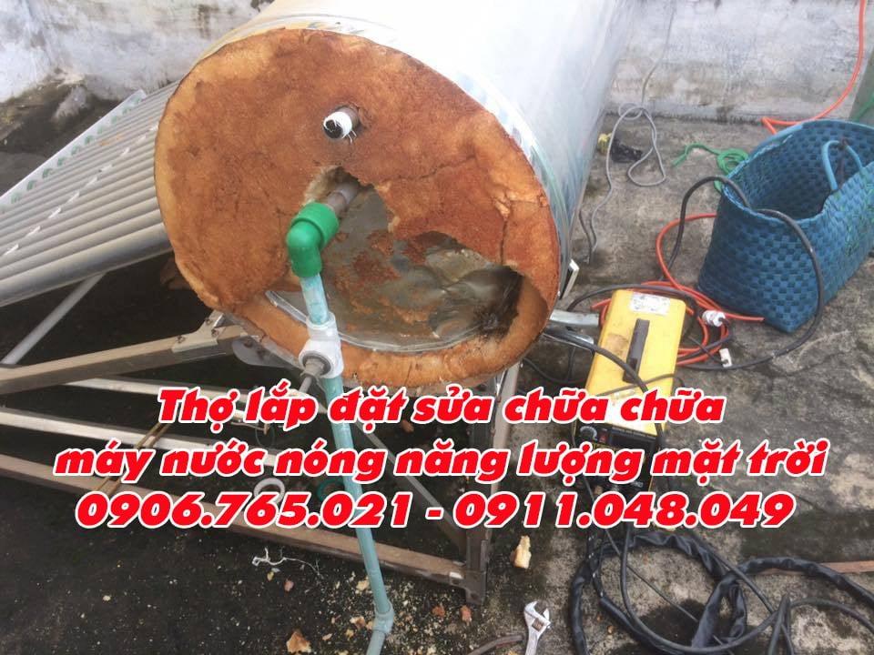 sửa máy nước nóng mặt trời